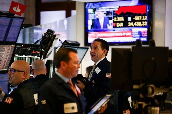 Stocks plunge 9% in coronavirus sell-off